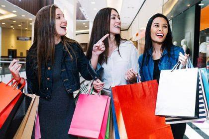 girl_shopping_720x480